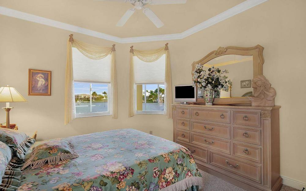 870 Robin Ct, Marco Island - House For Sale 368852276