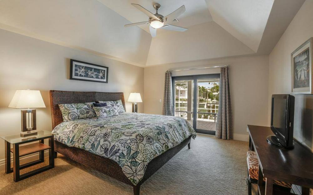 580 Goldcoast Ct, Marco Island - House For Sale 1087614925