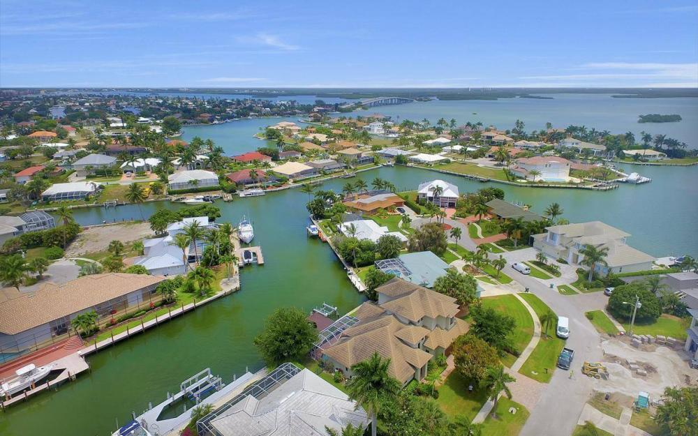 580 Goldcoast Ct, Marco Island - House For Sale 1270069983