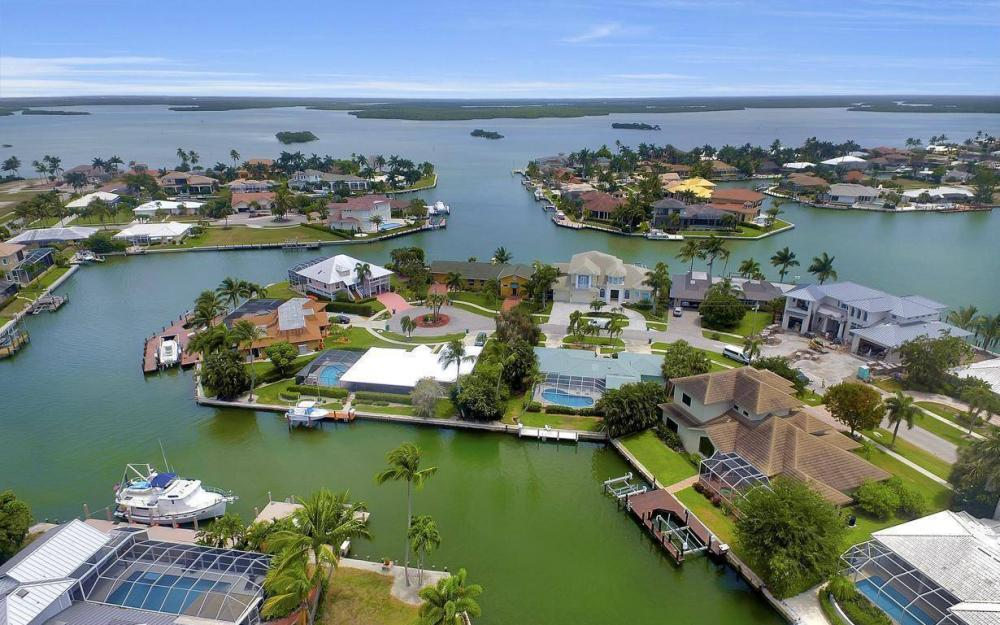 580 Goldcoast Ct, Marco Island - House For Sale 367751074