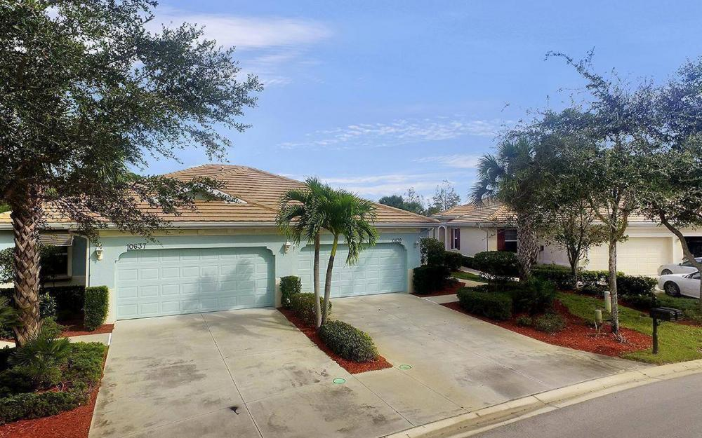 10639 Camarelle Cir, Fort Myers - House For Sale 1126196389