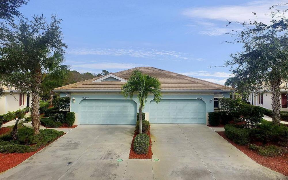 10639 Camarelle Cir, Fort Myers - House For Sale 137867417