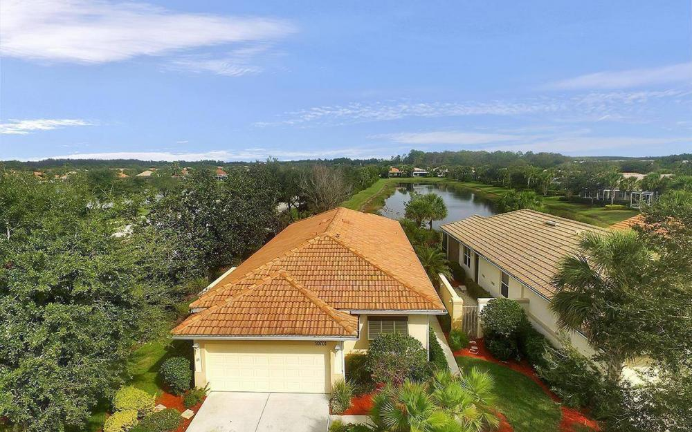 10701 Avila Cir, Fort Myers - House For Sale 517439108