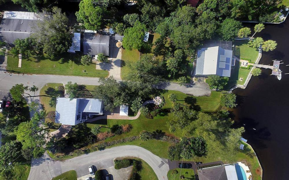 27601 Riverdale Ln, Bonita Springs - House For Sale 713150523