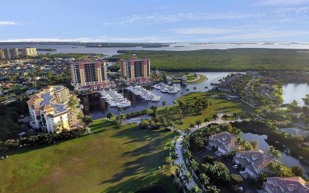5626 Cape Harbour Dr #201, Cape Coral - Condo For Sale 52254359