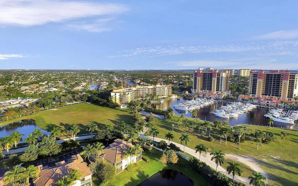 5626 Cape Harbour Dr #201, Cape Coral - Condo For Sale 1887390802
