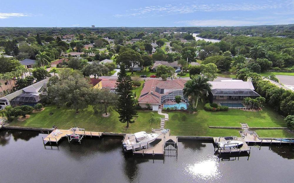 1384 Landmark Ct, Fort Myers - House For Sale 688311843