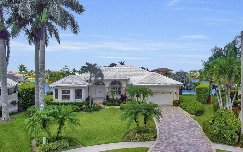 102 Channel Ct, Marco Island - House For Sale 1842402376