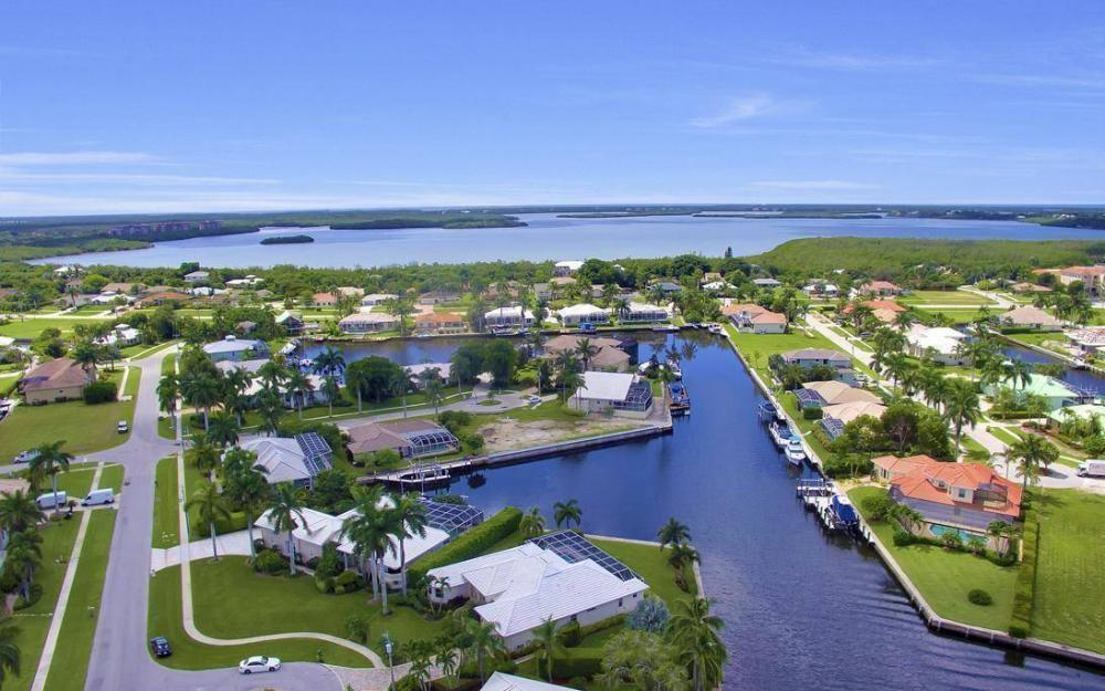 102 Channel Ct, Marco Island - House For Sale 1509482429