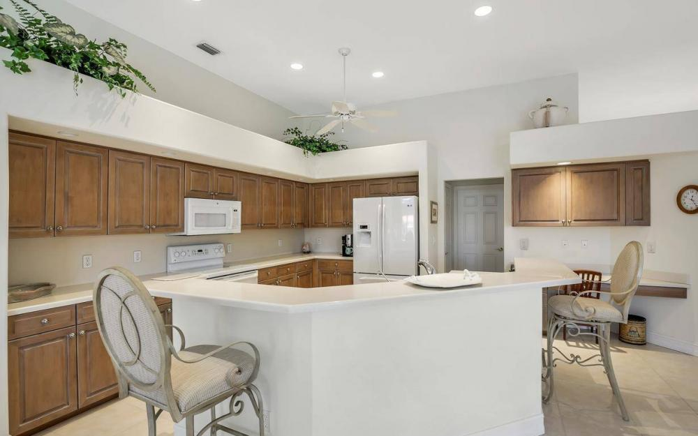 102 Channel Ct, Marco Island - House For Sale 704172199