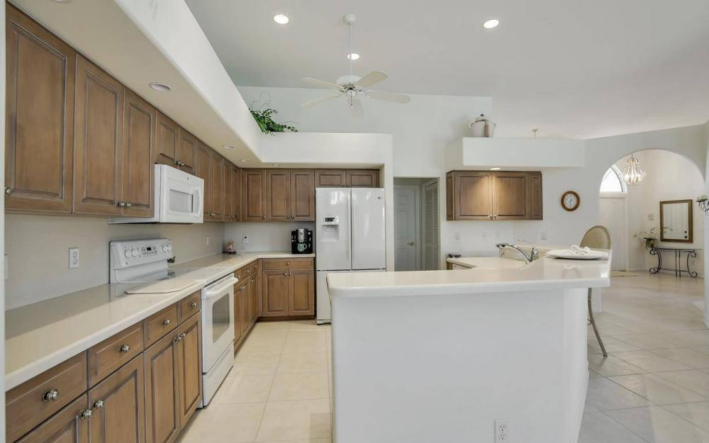 102 Channel Ct, Marco Island - House For Sale 752518033