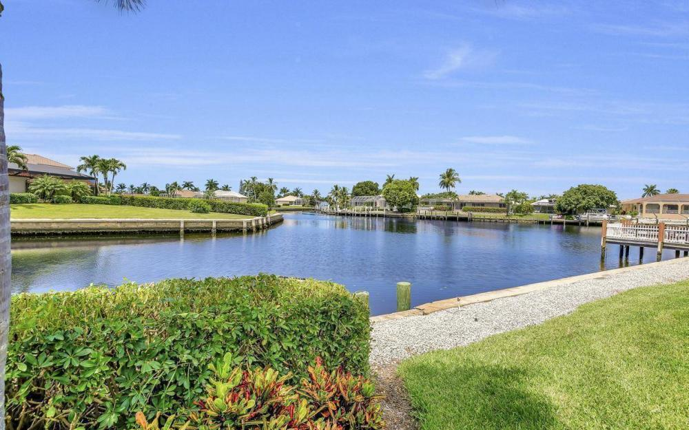 102 Channel Ct, Marco Island - House For Sale 454549088