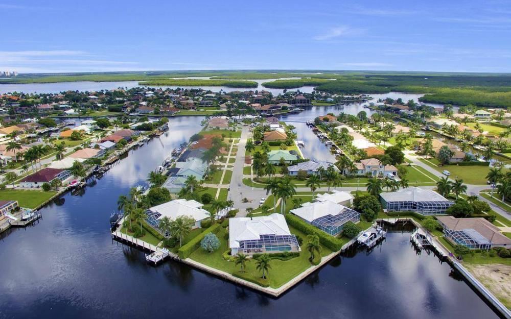 102 Channel Ct, Marco Island - House For Sale 1829745216