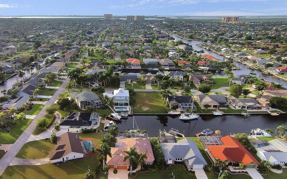 1208 SW 49th Ter, Cape Coral - House For Sale 1295684754