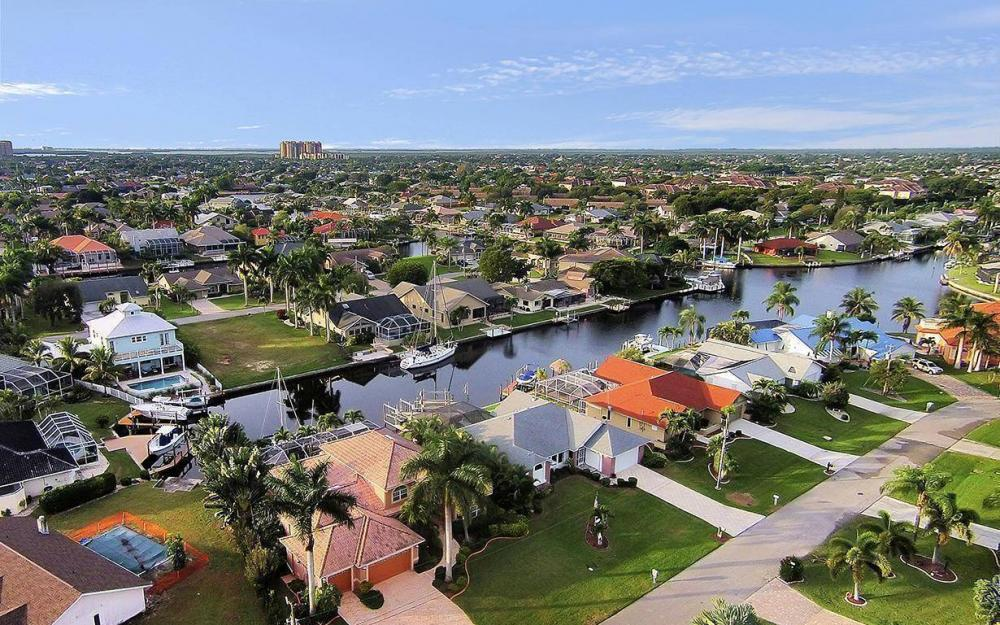 1208 SW 49th Ter, Cape Coral - House For Sale 230667768