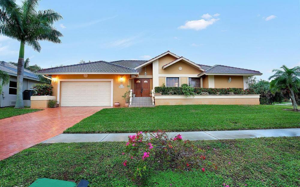 797 Dandelion Ct, Marco Island - House For Sale 1014168398