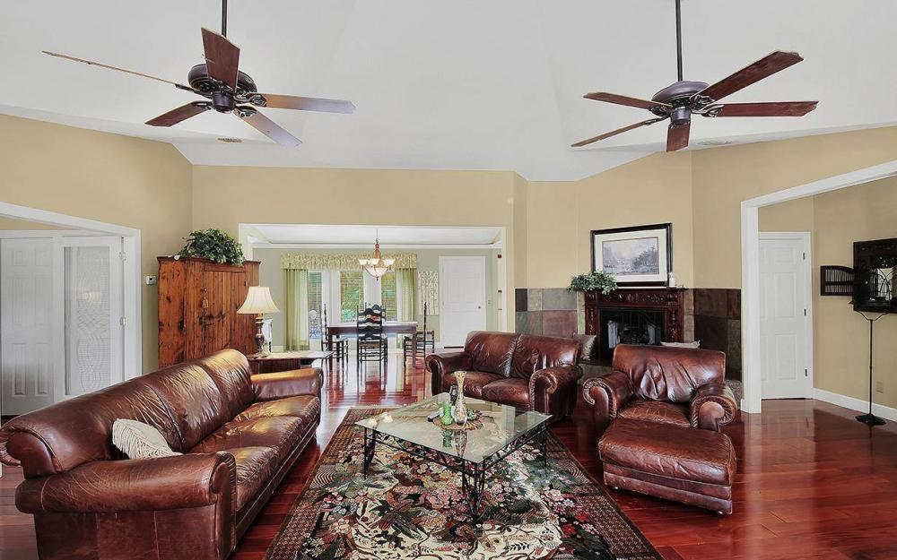 5404 Hickory Wood Dr - House For Sale 1077824546