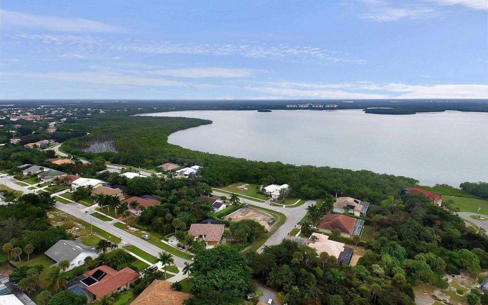 1741 Dogwood Dr, Marco Island - House For Sale 154414181
