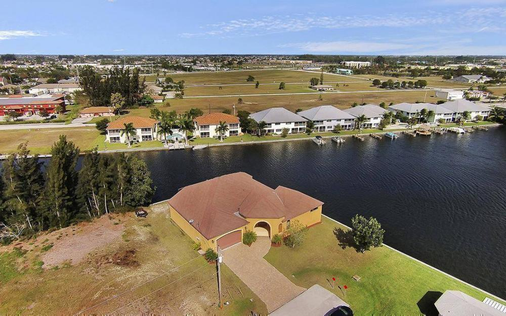 403 SW 4th St, Cape Coral - House For Sale 1454925687
