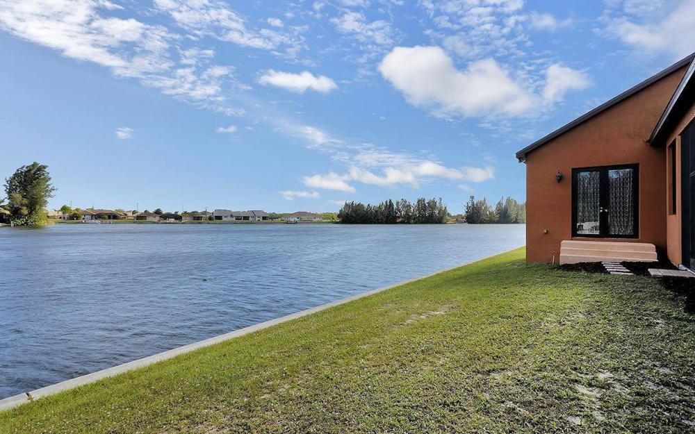 403 SW 4th St, Cape Coral - House For Sale 251365902
