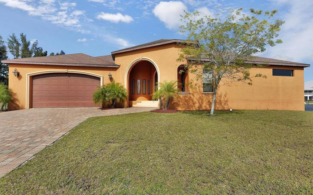 403 SW 4th St, Cape Coral - House For Sale 61240381