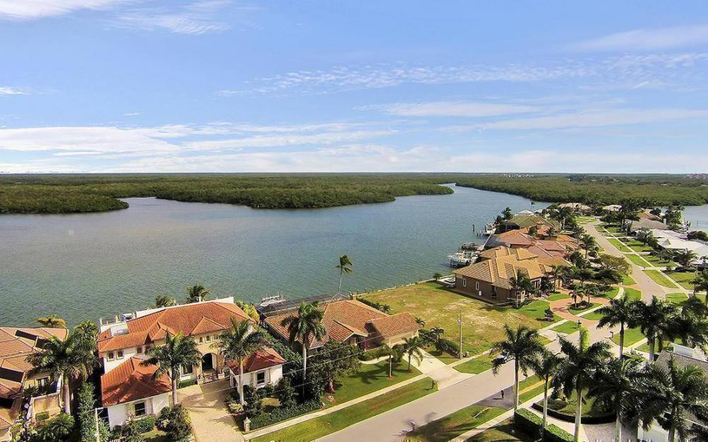 191 Stillwater Ct, Marco Island - House For Sale 432334094