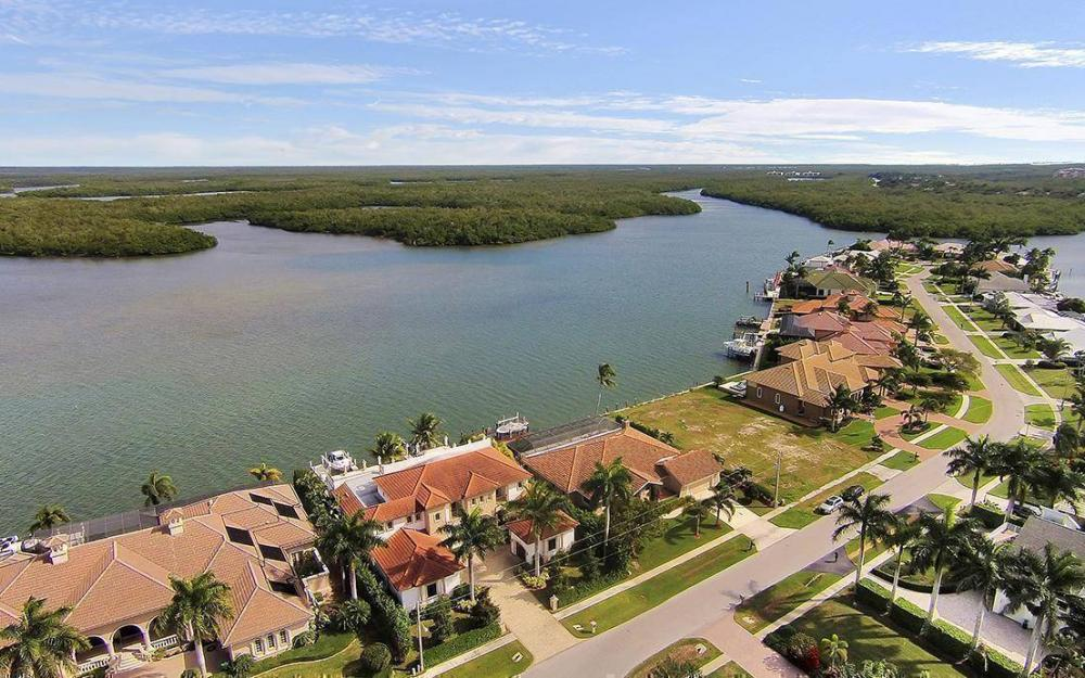 191 Stillwater Ct, Marco Island - House For Sale 1225695773