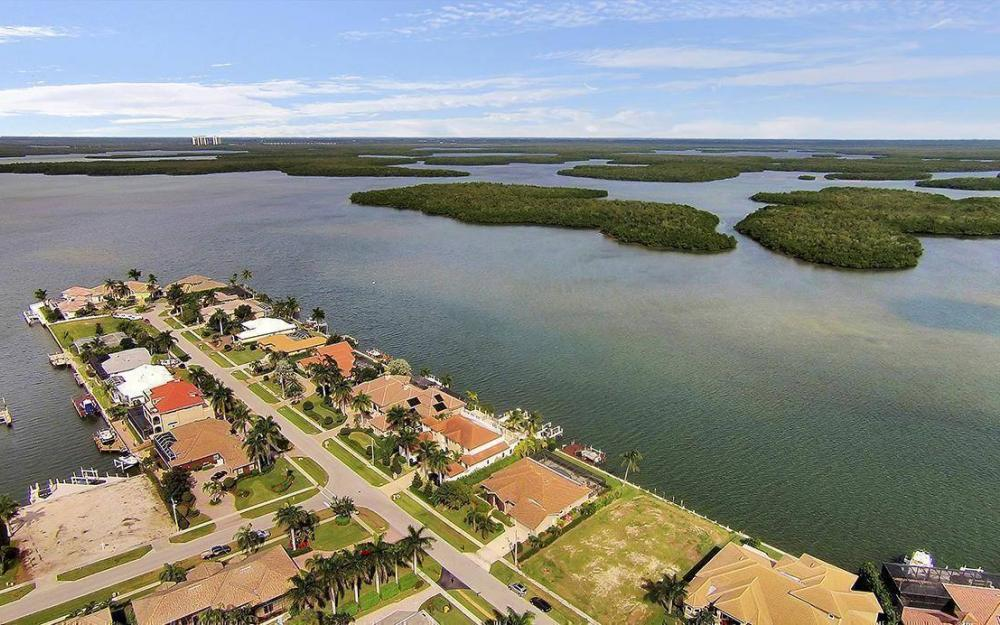 191 Stillwater Ct, Marco Island - House For Sale 851524795