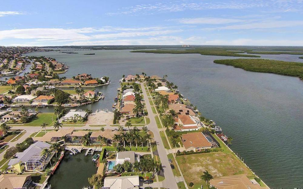 191 Stillwater Ct, Marco Island - House For Sale 1388363271