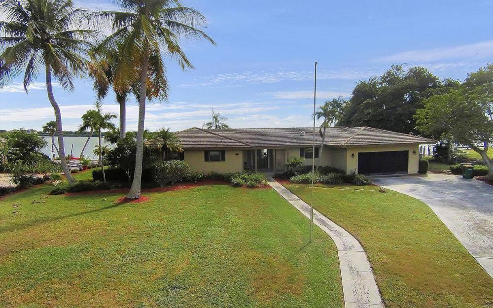 1035 Caxambas Dr, Marco Island - House For Sale 1605178329