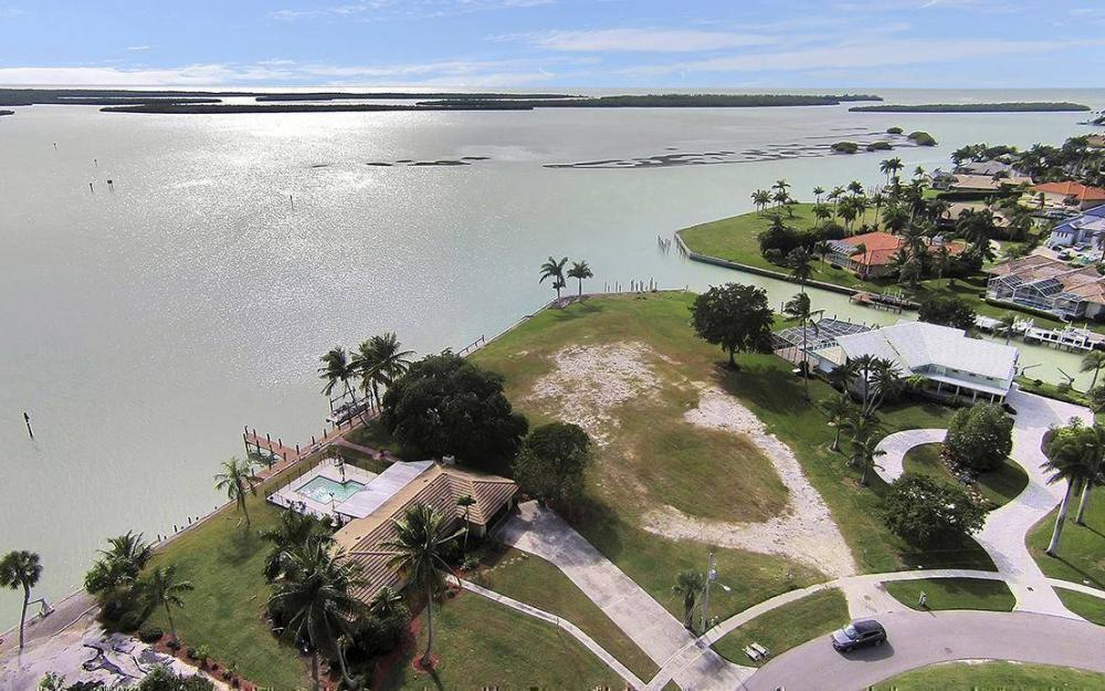 1035 Caxambas Dr, Marco Island - House For Sale 1062877719