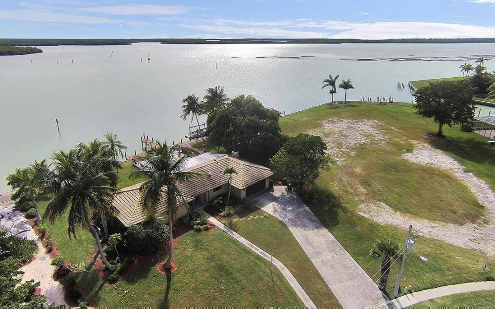 1035 Caxambas Dr, Marco Island - House For Sale 514791234