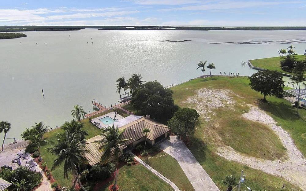 1035 Caxambas Dr, Marco Island - House For Sale 1956146280
