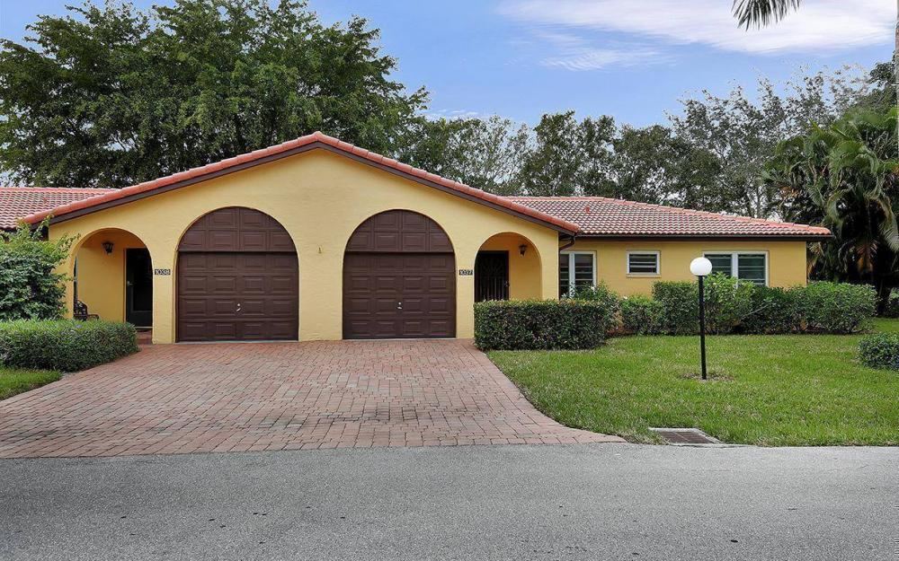 1037 Forest Lakes Dr, Naples - House For Sale 865667130