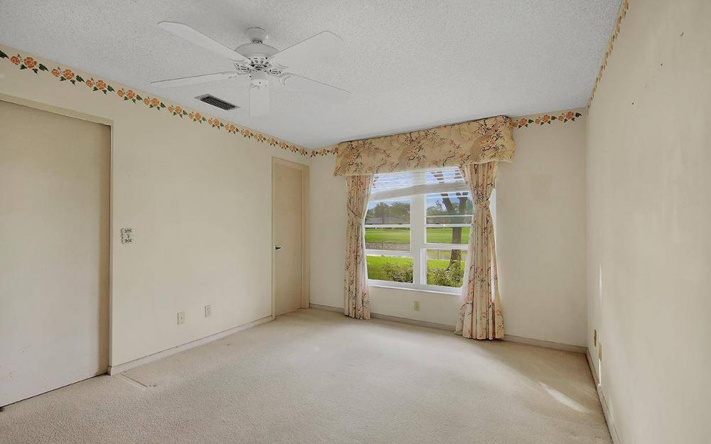 1037 Forest Lakes Dr, Naples - House For Sale 186826195