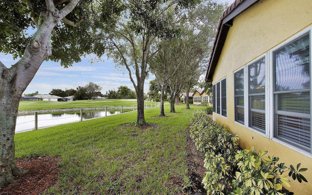 1037 Forest Lakes Dr, Naples - House For Sale 920933067