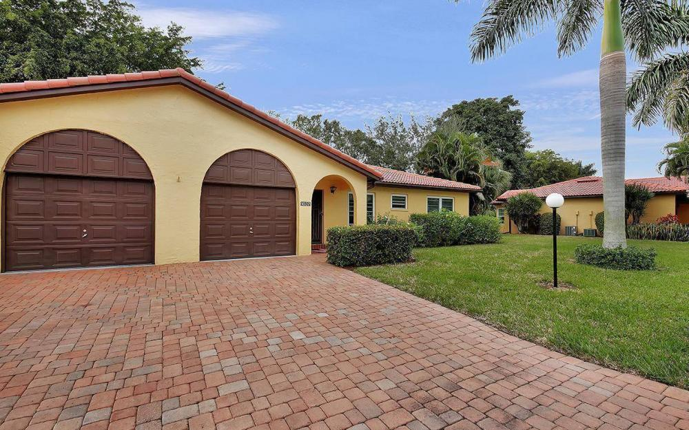 1037 Forest Lakes Dr, Naples - House For Sale 1369548265