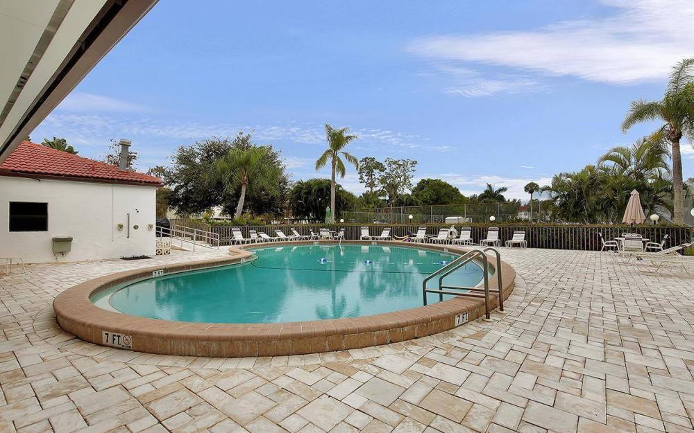 1037 Forest Lakes Dr, Naples - House For Sale 475631433