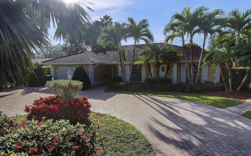 242 Tradewinds Ave, Naples - House For Sale 444395339