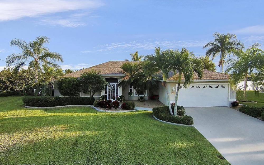3712 NW 22 Tr, Cape Coral - House For Sale 2081299456