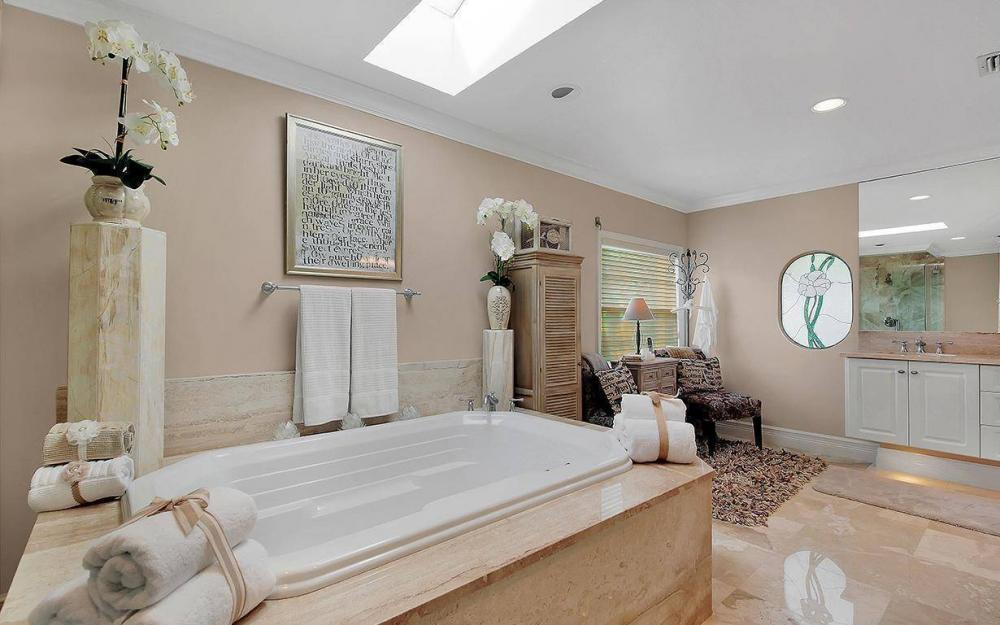 4402 Silver Fox Dr, Naples - House For Sale 2078148972