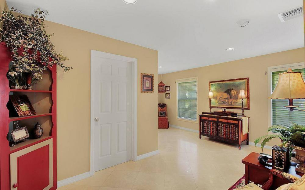4402 Silver Fox Dr, Naples - House For Sale 526221926