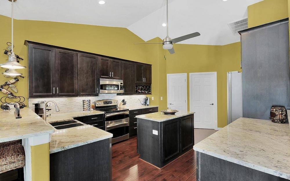 3910 Embers Pkwy W, Cape Coral - House For Sale 551450573