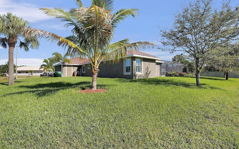 3910 Embers Pkwy W, Cape Coral - House For Sale 564631128