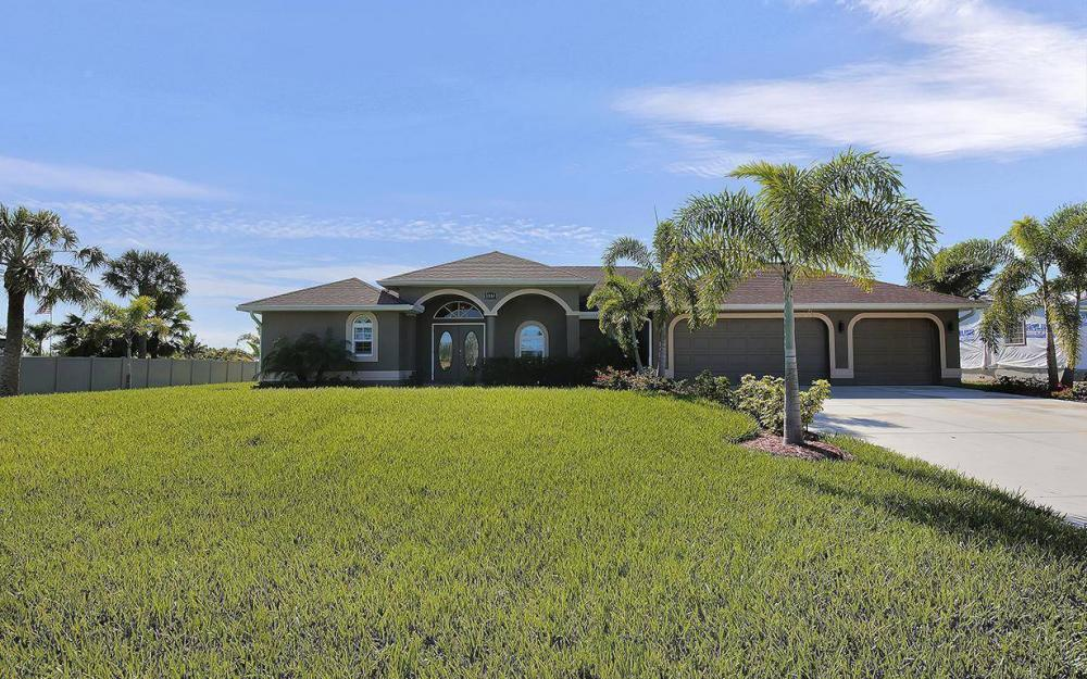 3910 Embers Pkwy W, Cape Coral - House For Sale 240986338