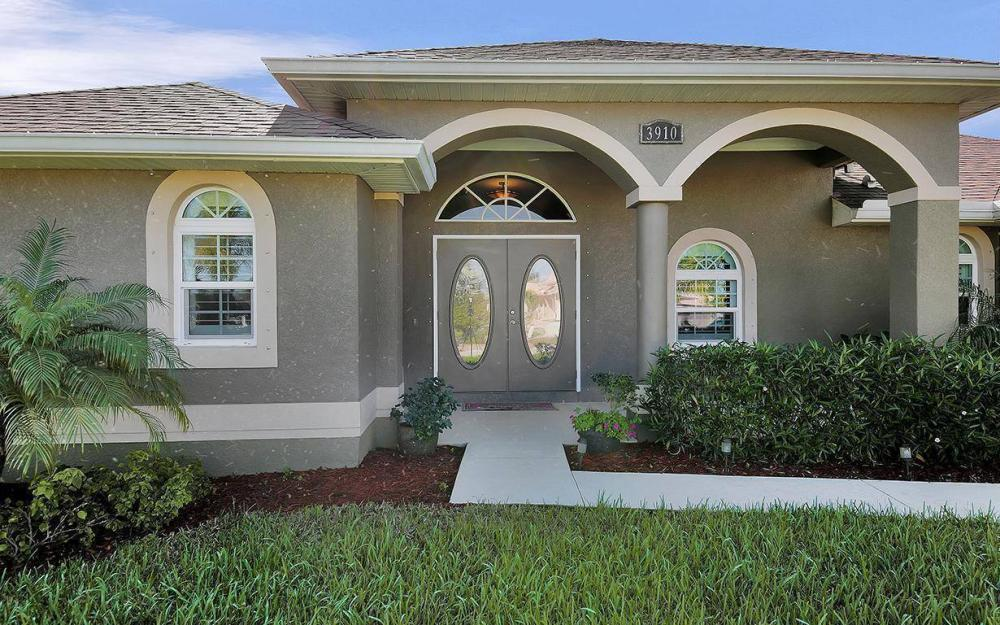 3910 Embers Pkwy W, Cape Coral - House For Sale 801446951