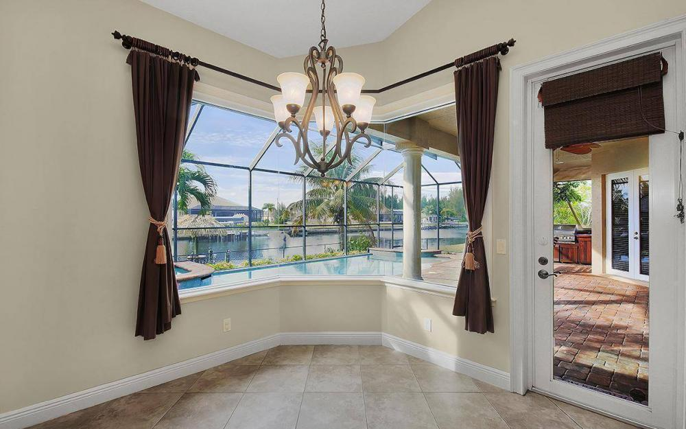 3702 SW 2nd St, Cape Coral - House For Sale 254305984