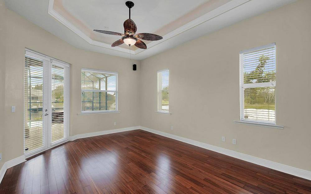 3702 SW 2nd St, Cape Coral - House For Sale 1002867764