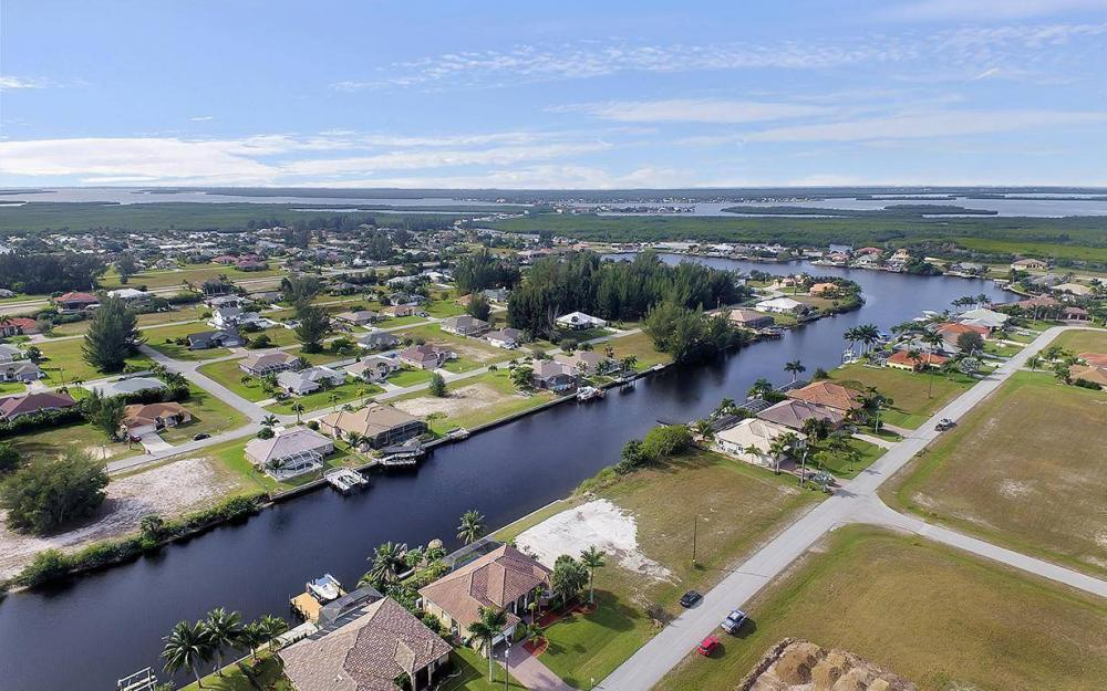 3702 SW 2nd St, Cape Coral - House For Sale 1774058212