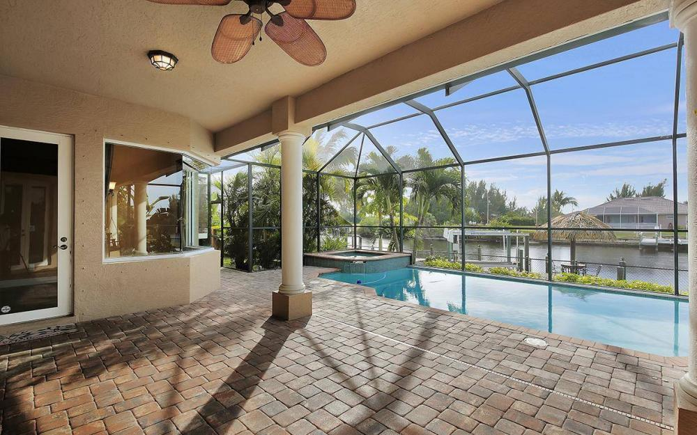 3702 SW 2nd St, Cape Coral - House For Sale 2144135352